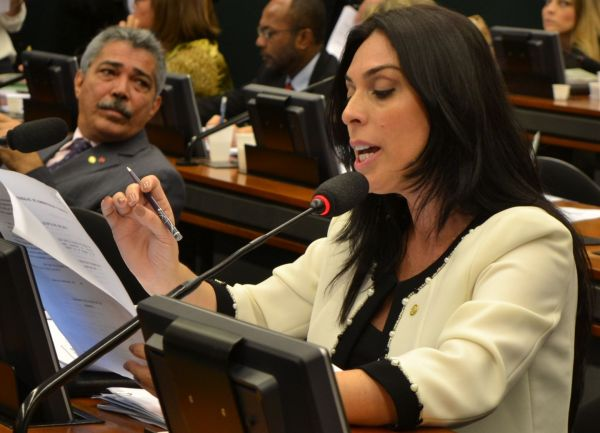A deputada federal Geovania de Sá (PSDB/SC) foi eleita, nesta quarta-feira, 3ª vice-presidente da Comissão Especial destinada a proferir parecer ao projeto de lei nº 1628, de 2015, do deputado André Moura (PSC/SE) que regu