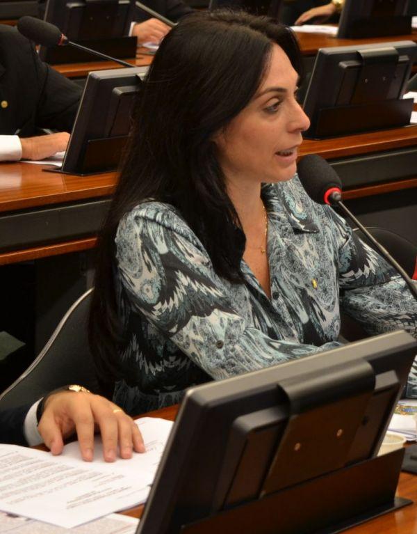 Geovânia quer discutir envio de imigrantes a SC sem apoio para estado e municípios