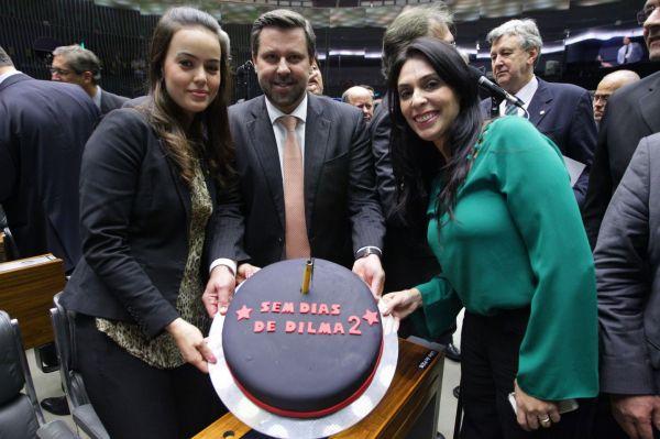 Deputada Geovânia de Sá foi contra projeto da terceirização aprovado pela Câmara