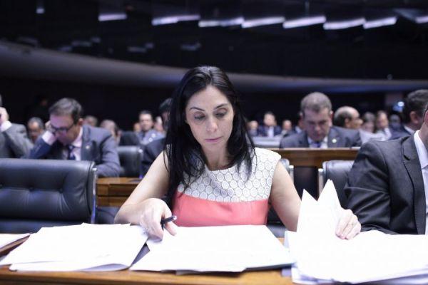 Geovania de Sá busca assinaturas para apresentar PEC que muda foro privilegiado