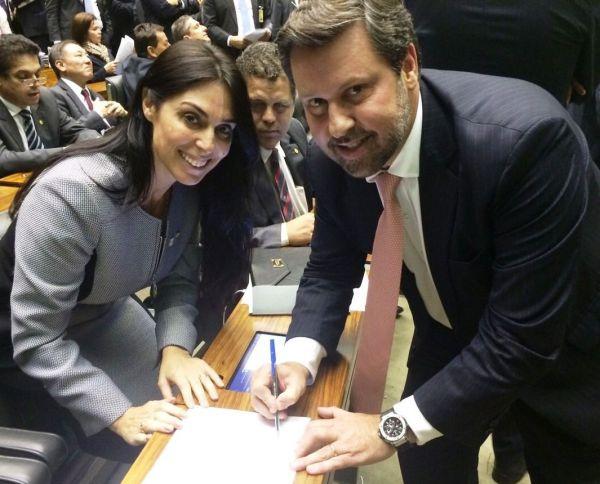 Deputada Geovânia de Sá será representante brasileira no Parlasul
