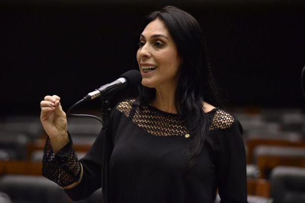 Deputada Geovânia de Sá discursa em solidariedade aos atingidos pelo tornado