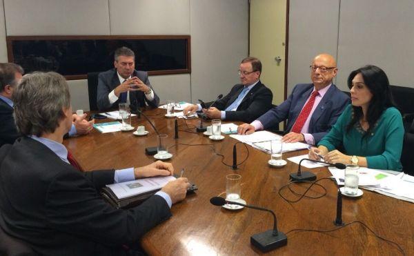 Deputada Geovânia de Sá pede apoio ao Fórum Catarinense para resolver problemas com hospitais e segurança pública na região